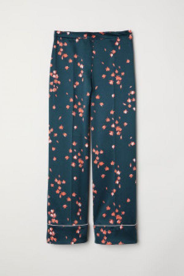 Pantaloni largi de satin