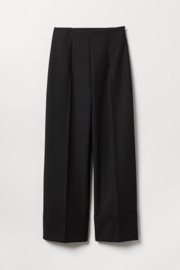 Pantaloni de costum largi