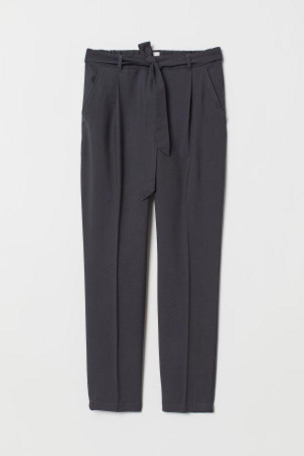 Pantaloni cu cordon