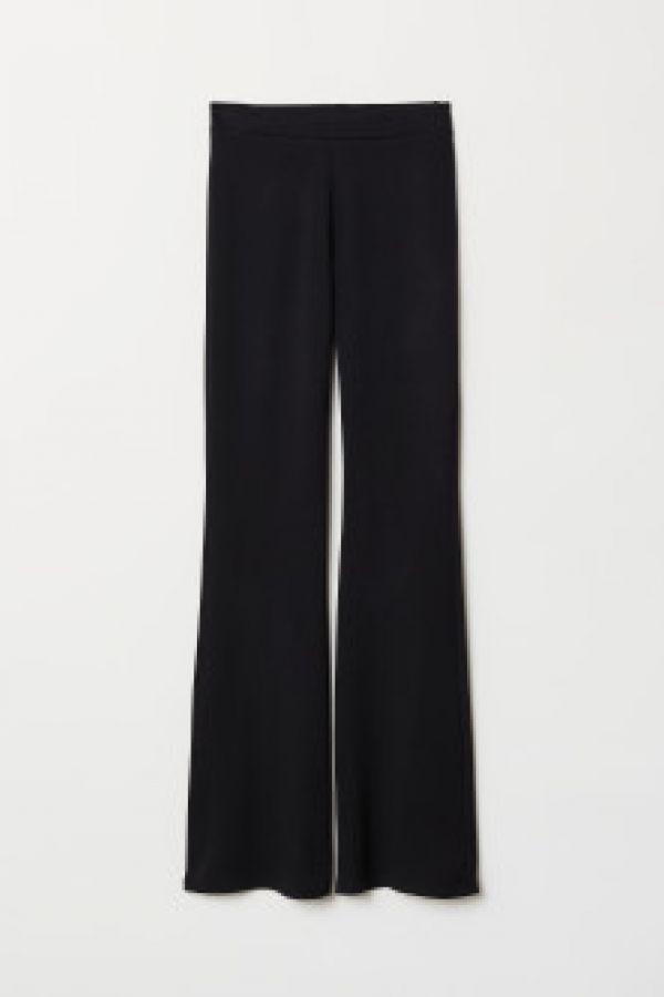 Pantaloni evazati de jerseu